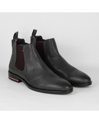 Tommy Hilfiger Signature Logo Leather Chelsea Boots